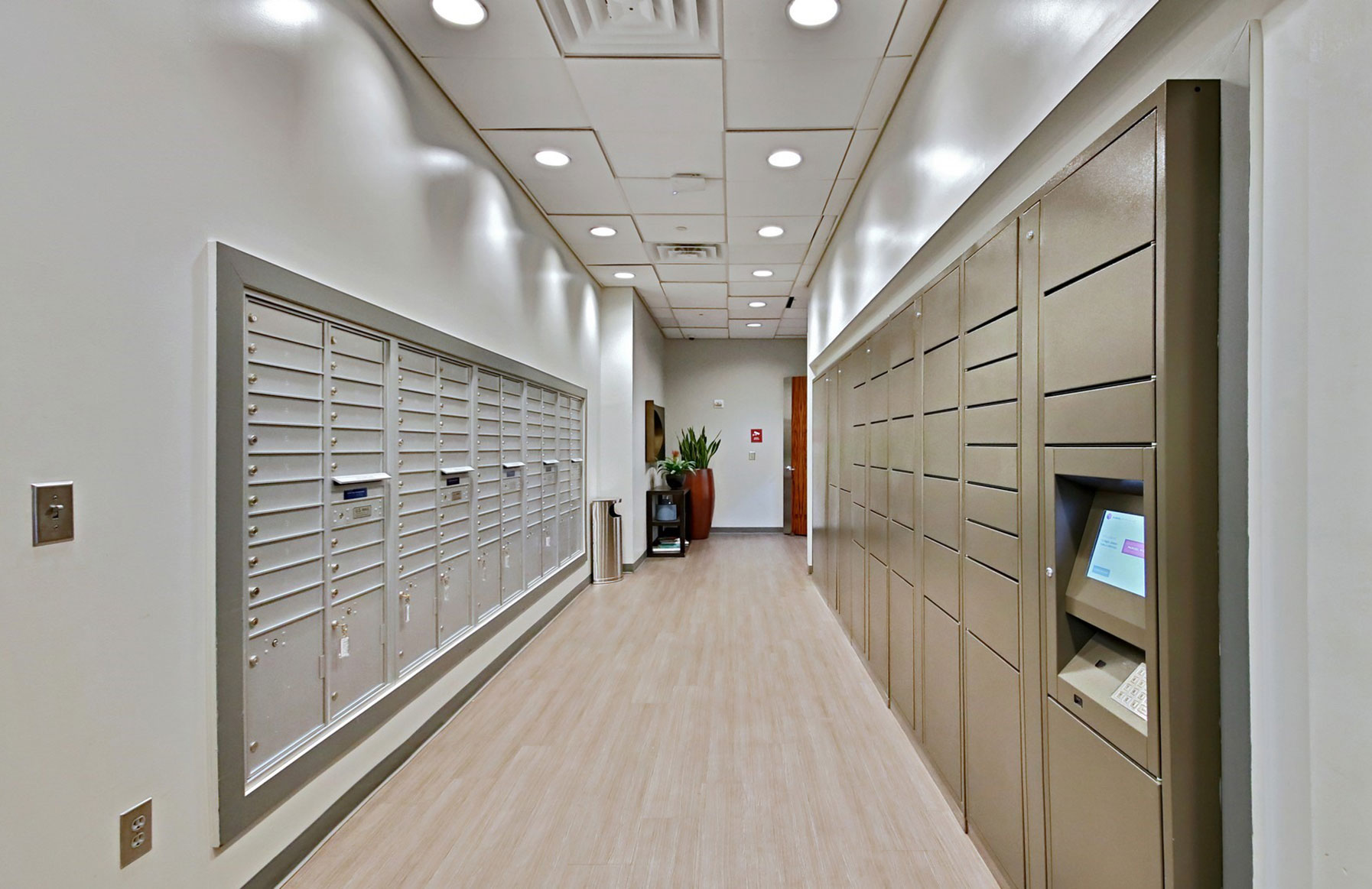 Mezzo Apartments - Atlanta, GA - Package Lockers