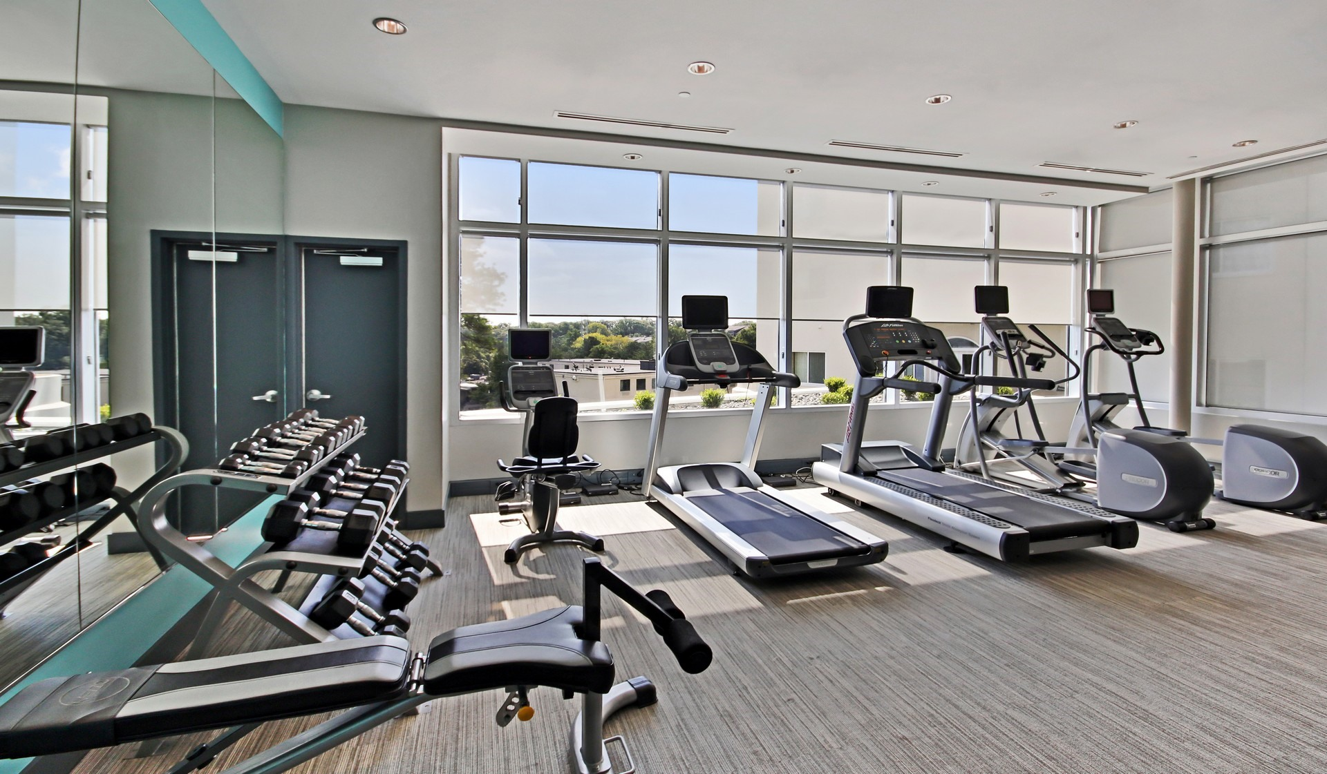 Mezzo apartment homes atlanta ga featured amenities - 24 hour fitness with swimming pool locations ...