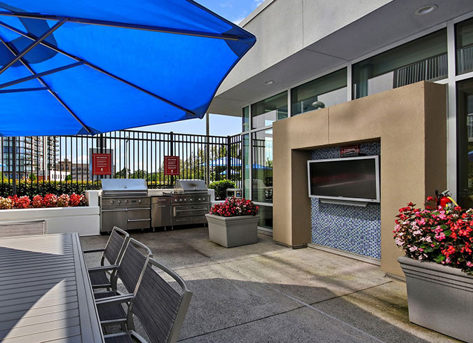 Mezzo Apartments - Atlanta, GA - Grill Area
